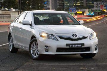 Toyota Camry hybrid luxury 2010-1