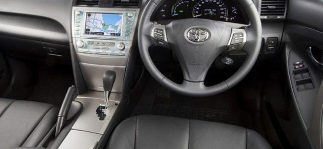 Toyota Camry hybrid luxury 2010-5